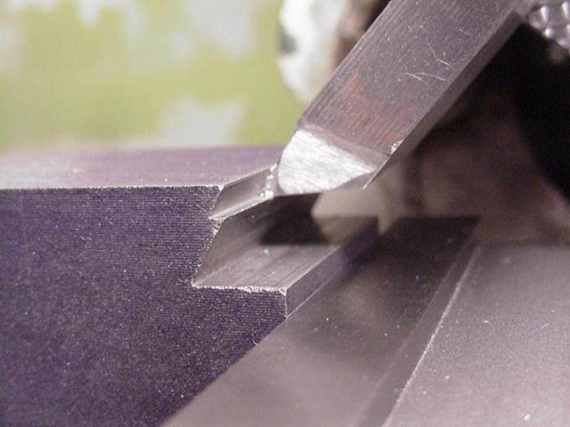 shaper_dovetail_11_cutting